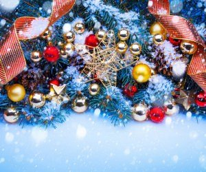 Shining Stars Christmas Ornaments and Decorations Wallpaper