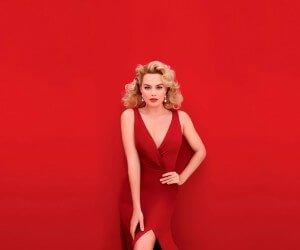 Margot Robbie In Red Wallpaper