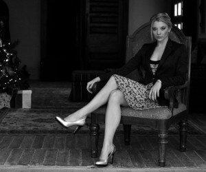 Natalie Dormer in Black & White Wallpaper